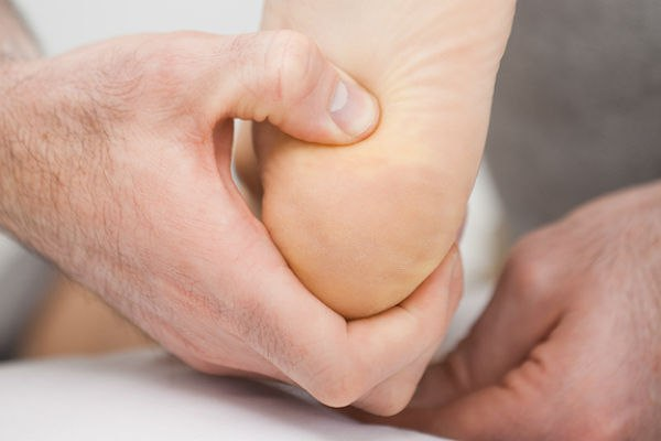 Судороги на пятке как причина онемения