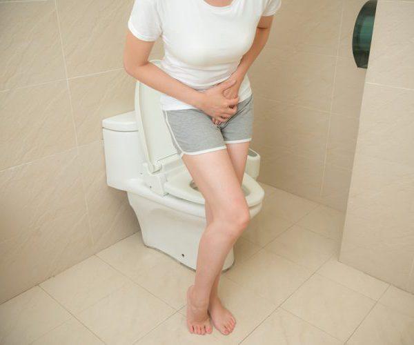 Опасно ли появление солей в моче у беременной женщины