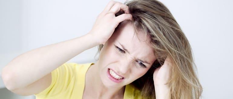 Может ли от перхоти чесаться голова и как устранить проблему