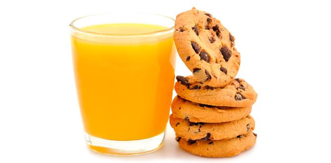 Сок с печеньем