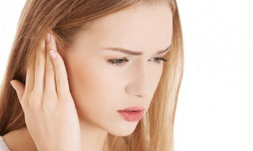 Высыпания за ухом