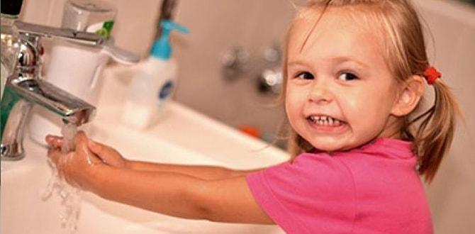 Девочка моется