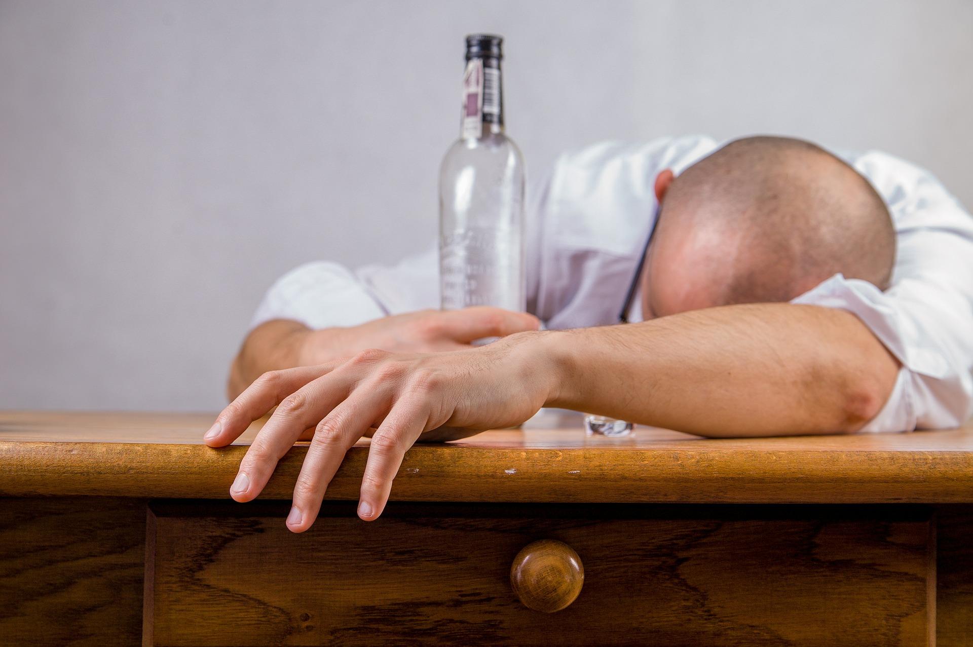 Абстинентный алкогольный синдром